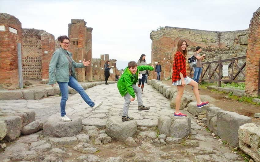 Tours of pompeii guided tours of pompeii herculaneum and more - Houses for families withchild ...